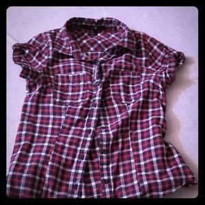 **5/25** Girl's Button Up Top